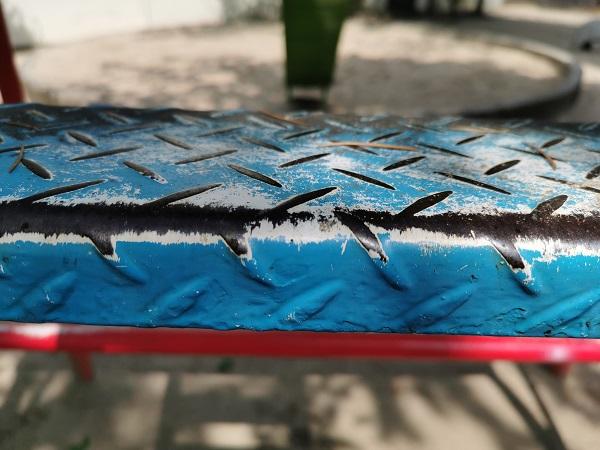 P30で撮った滑り台の踏み台