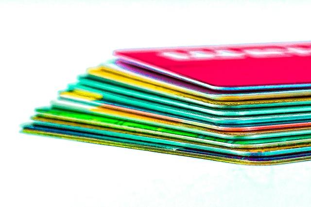 クレジットカードの山