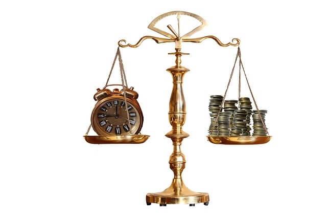 お金と時間のバランス、天秤