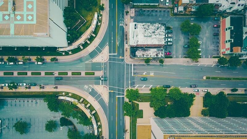 交差点(世界はずっと動き続けている)