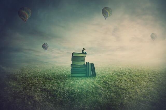 幻想的な本と気球と人
