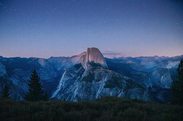 幻想的|山と朝焼け